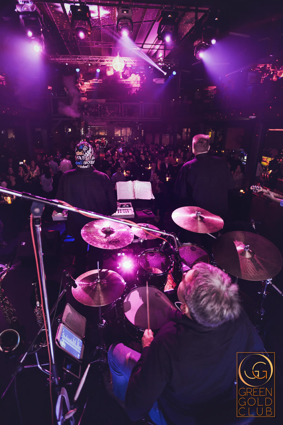 Showtime Band Clubbing